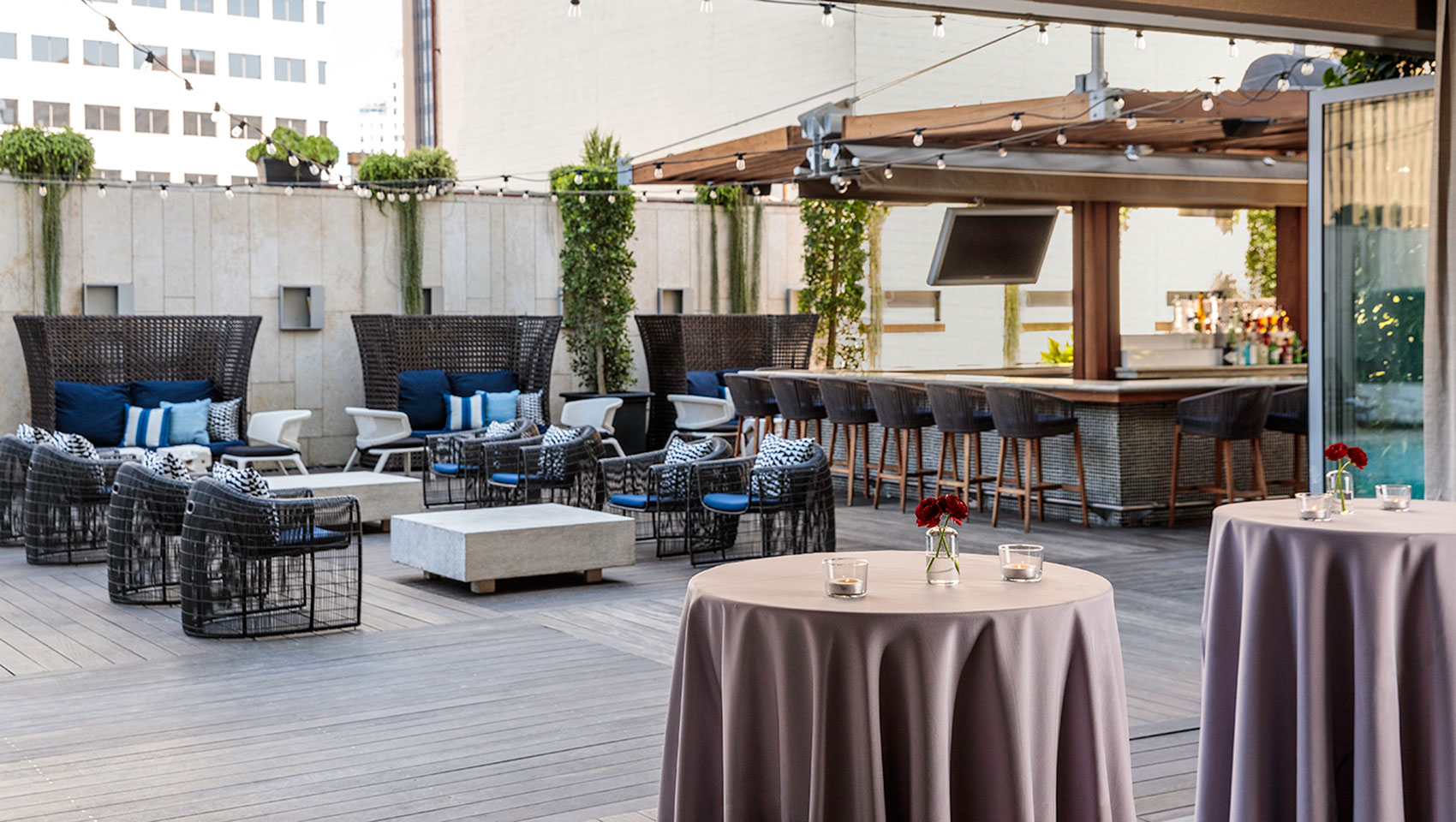 Social Events at Level Four Pool Deck and Lounge
