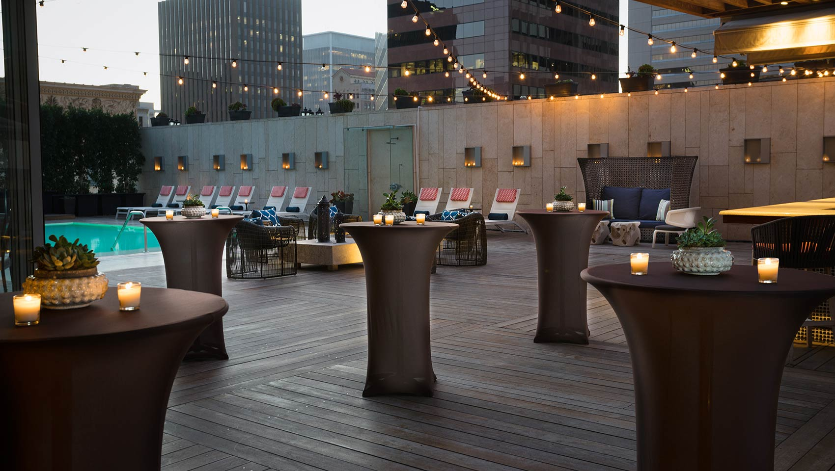 Reception Set up at Level Four Pool Deck and Lounge & Boutique Hotel Photos in Downtown San Diego   Kimpton Palomar Hotel